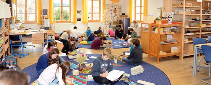 dieser leitsatz von maria montessori ist bestimmend fr das lernen und wachsen an unserer schule - Maria Montessori Lebenslauf